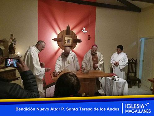 Bendición Nuevo Altar P. Santa Teresa de los Andes