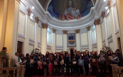 Celebración de la entrega del Credo de la Catequesis Familiar.