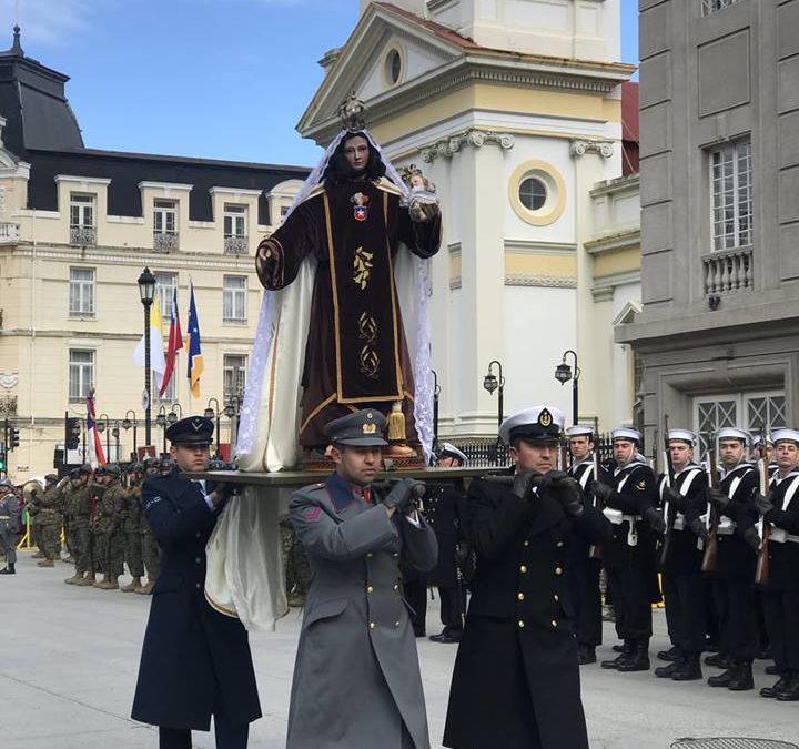 Con sensación térmica bajo cero se desarrolló el tradicional desfile en el día de la oración por Chile.