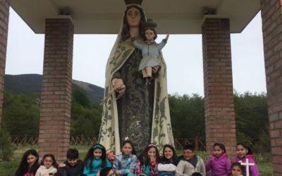 Inicio del mes de María en Puerto Williams