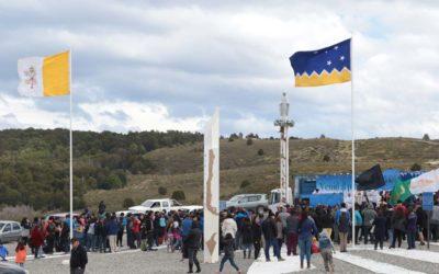 Decenas de fieles desafiaron el viento y peregrinaron 24 kms. en honor a la Virgen de la Medalla Milagrosa