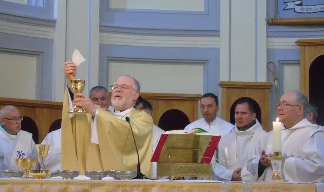 Solemne Misa Crismal en la Catedral de  Punta Arenas