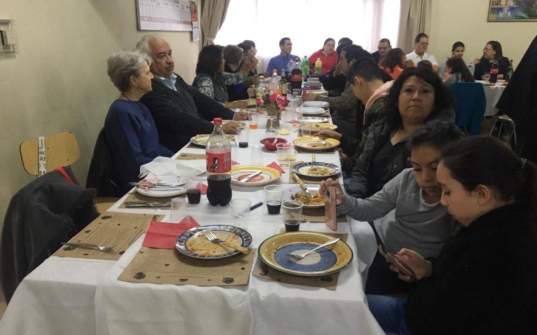 Comunidad Parroquial de Catedral en almuerzo comunitario