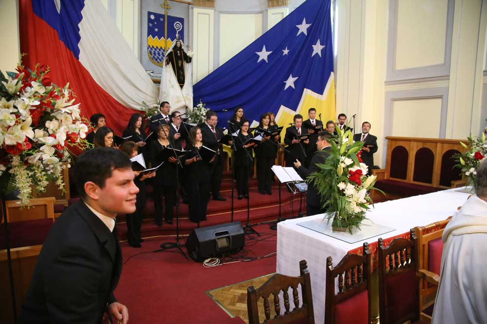 Coro arte vocal anima el canto litúrgico en la solemnidad del Corpus Christi