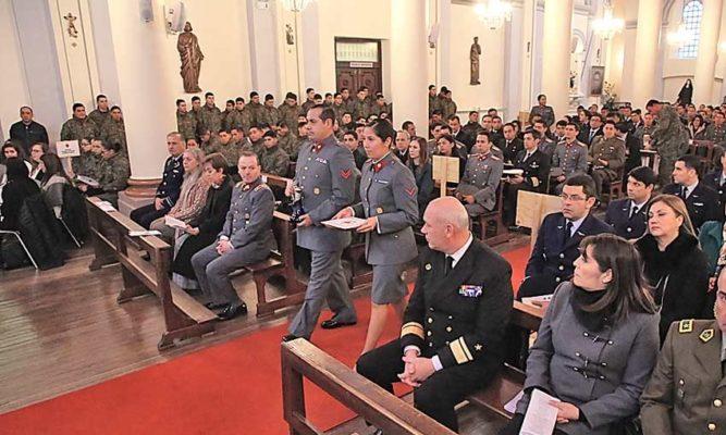 Padre Obispo resaltó figura de la familia en día de la espiritualidad de las FF.AA.