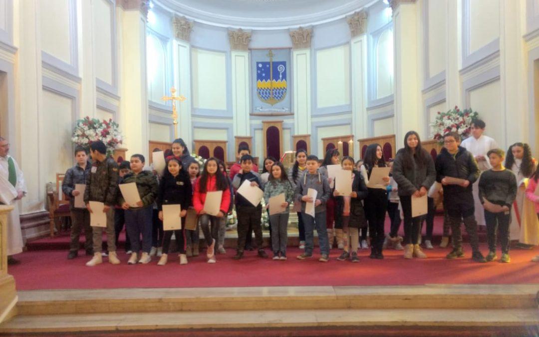 Entrega del Credo catequesis familiar en parroquia Catedral