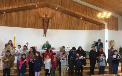 Celebración de catequesis familiar en Ceb Dios Padre