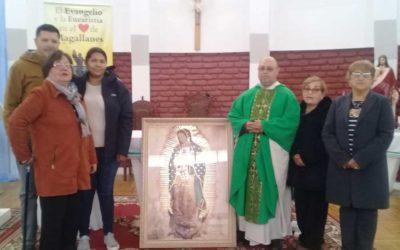 Hermosa ofrenda de familia mexicana a comunidad Cristo Amigo