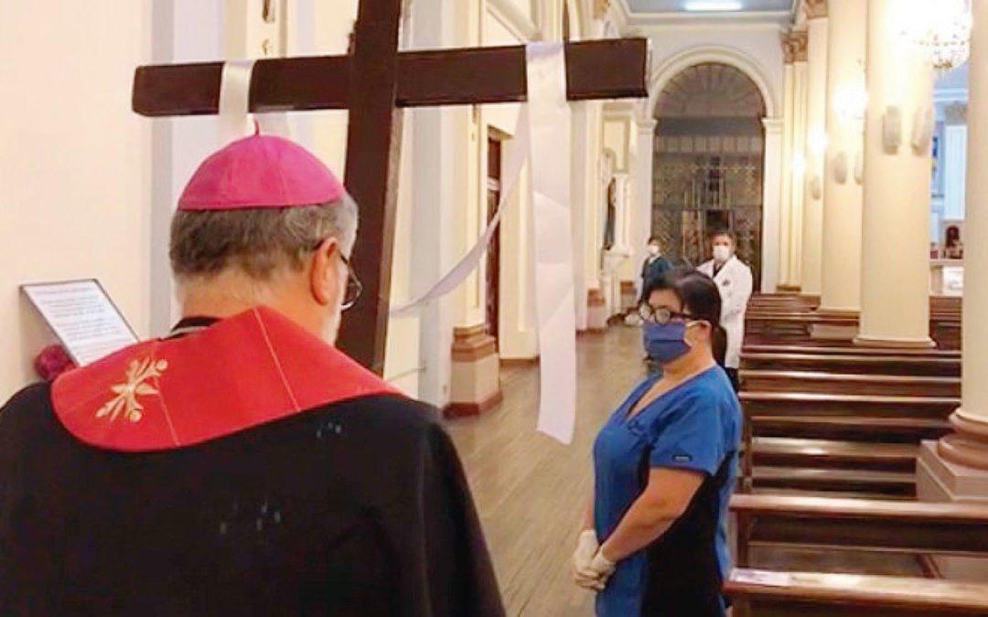 Viernes Santo: Via Crucis en tiempo de covid-19