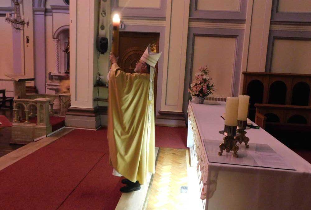 Vigilia Pascual: la luz de la resurrección ilumina nuestras incertidumbres
