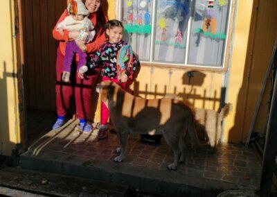 Sofía Gallardo de 6 años junto a su tía Nicole Silva y primita Leyton