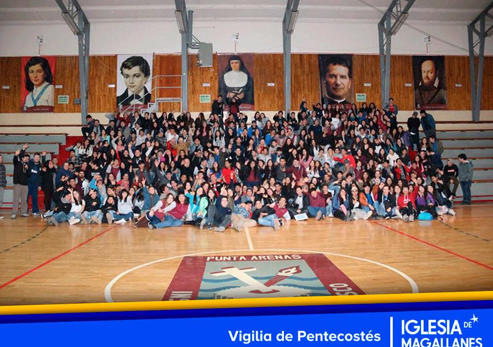 Vigilia de Pentecostes en Instituto Don Bosco