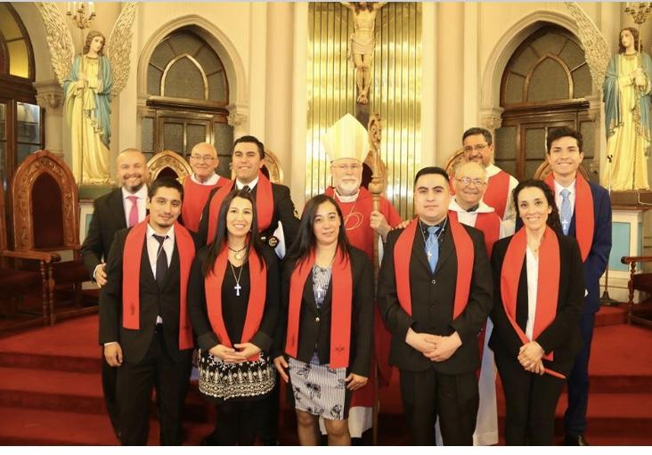 Confirmaciones de jóvenes y adultos de la parroquia María Auxiliadora e Instituto Don Bosco