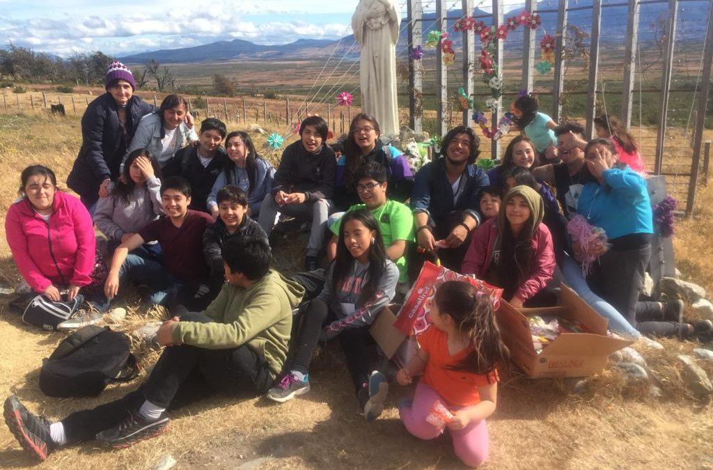Campamento eucarístico para jóvenes en Puerto Natales