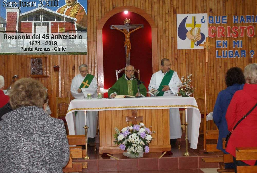 Aniversario comunidad San Juan XXIII y coronación reina taller de adulto mayor